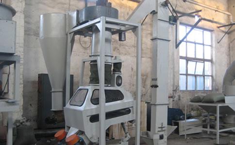 黑龙江齐齐哈尔客户玉米加工设备安装现场